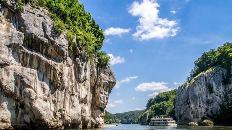 Schifffahrt durch den Donaudurchbruch