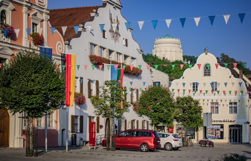 Altstadt von Kelheim und Befreiujngshalle